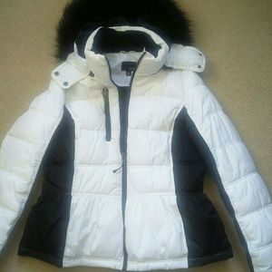 White Black Puffer Jacket with hood size L